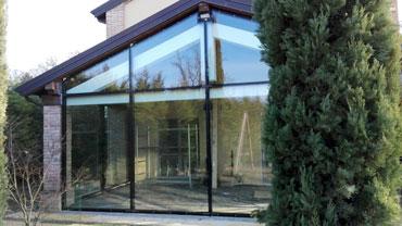 Vetreria Barani | Il vetro e gli infissi in alluminio in tutte le sue forme